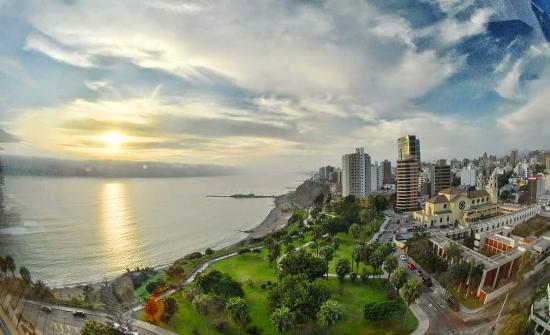 Miraflores Boardwalk - Picture of Miraflores Boardwalk, Lima ...