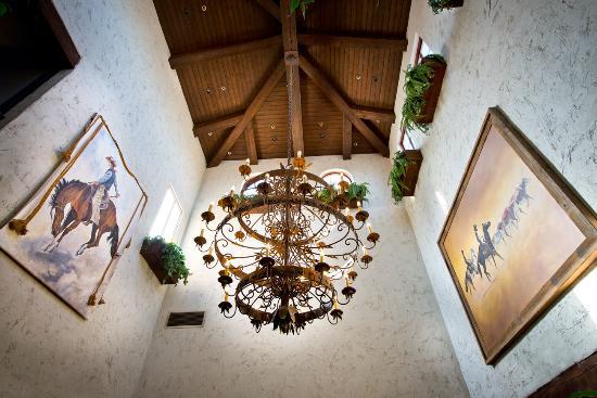 harris ranch restaurant enjoy our ranch style decor - Ranch Style Decor