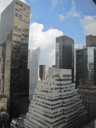 Lotte New York Palace: Vista do quarto