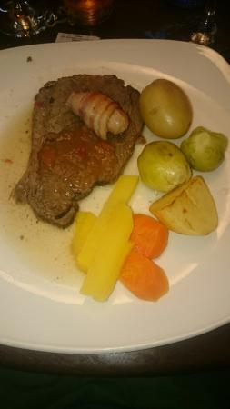 Standing Stane Restaurant and Bar: The Christmas main meal of steak... The rest didn't come!!!