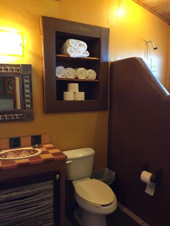 Leo's Baja Oasis: Bungalow #3 Bathroom