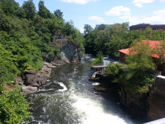 Promenade de la Gorge de la Rivière Magog