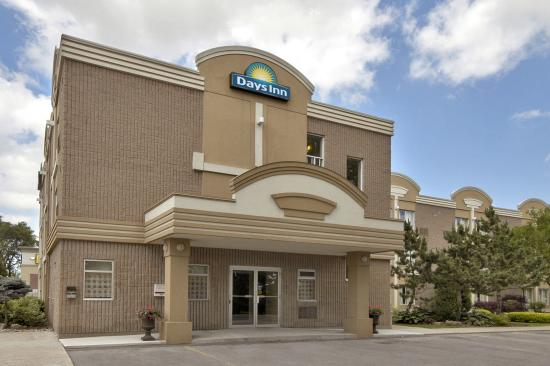Welcome to Days Inn Toronto West Mississauga