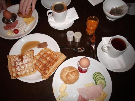 Bestes Frühstück ever! - Bild von Superbude Hotel & Hostel St. Georg ...