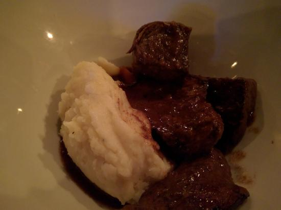 Brewster, NY: Short ribs - [natural] - bourbon braised - mashed potatoes - caramelized carrots