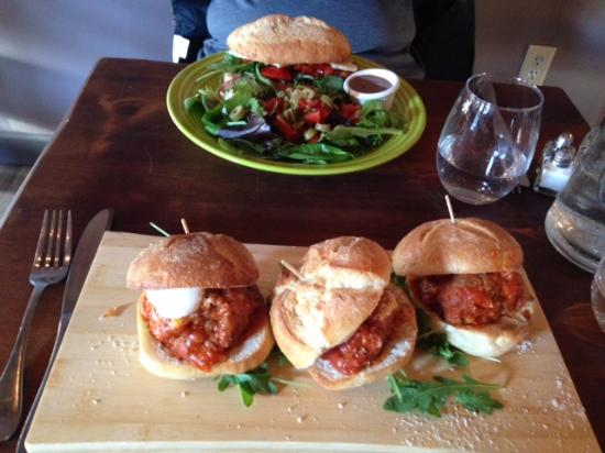 Warren, NJ: Meatball sliders & Ischitano panini (lunch)