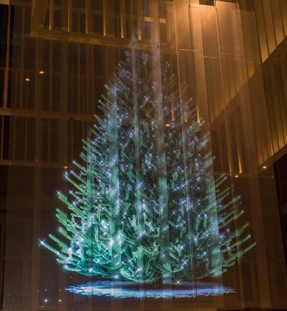 rijksmuseum museo nacional de msterdam 7 metre holographic christmas tree at the rijksmuseum