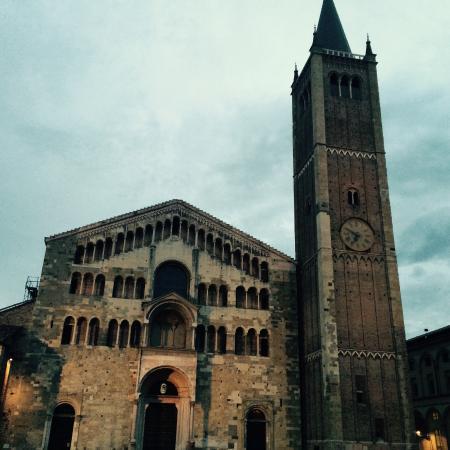 B&B Al Battistero d'Oro: Cathedral in Parma, see Illusionististic cupola fresco of the Assumption by Antonio da Correggio