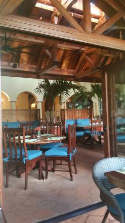 Hamanasi Adventure and Dive Resort: new  dining  room