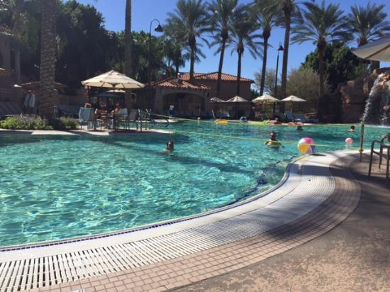 Sheraton Desert Oasis: Pool fun!