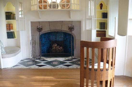 Bowness-on-Windermere, UK: blackwell house fireplace