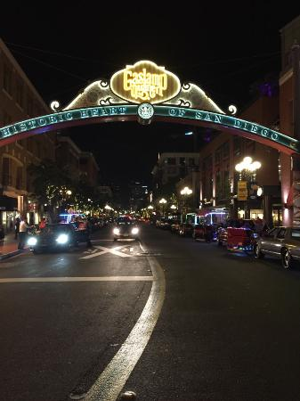 Hostelling International San Diego Downtown : Gaslamp District