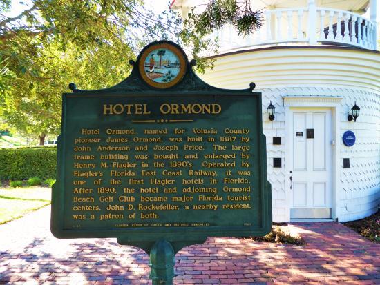 Fortunato Park: Hotel Ormond sign