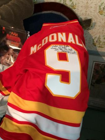 Windsor, Canada: Autographed Lanny McDonald jersey