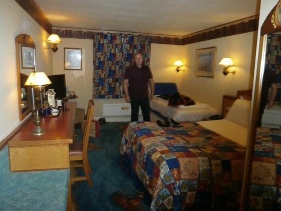 Alton Towers Hotel Standard Room Picture Of Alton Towers Hotel Tripadvisor