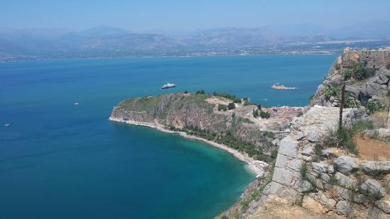 Vasilis Hotel: Petit plage (privée ou public) super sympa, pas loin de l'hotel et trés fréquenté par les locaux