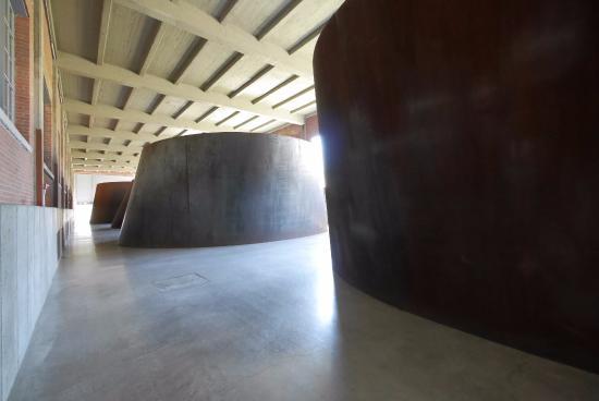 Richard Serra iconic sculptures. - Picture of Dia:Beacon ...