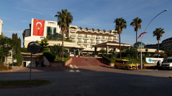 SENTIDO Palmet Resort: Hotel Vorderseite