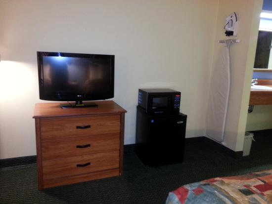 Days Inn Raleigh-Airport-Research Triangle Park: Entertainment area