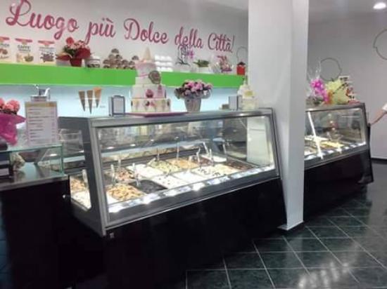 Aprilia, Italia: gigi gelo