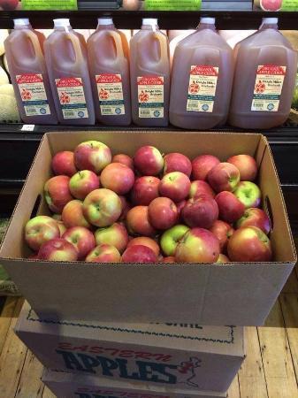 Peterborough, NH: Local Organic Apples & Raw Cider!
