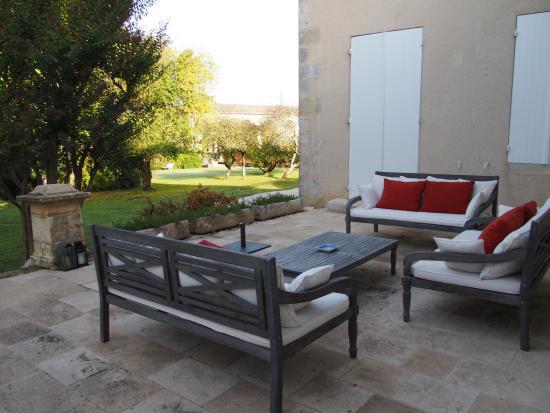 Saint-Estephe, Γαλλία: Side patio