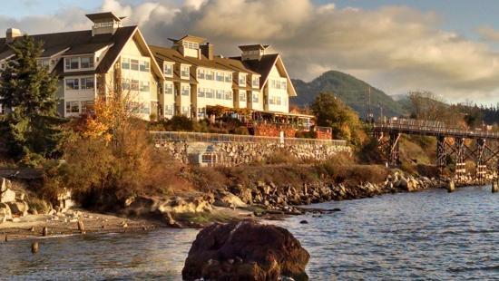 The Chrysalis Inn & Spa: Hotel from oceanside walk