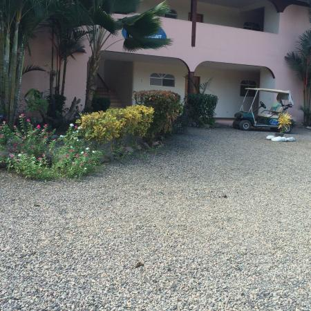 Cocomar Beachfront Hotel and Island Resort: Room entrance from parking lot