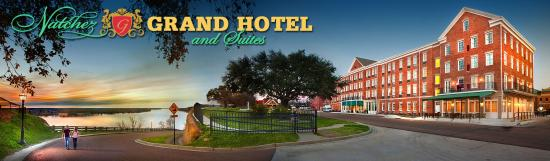 Natchez Grand Hotel: Hotel Overlooking River - Panoramic