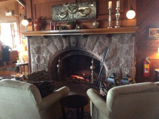 Dalvay by the Sea Hotel: One of several cozy fireplaces