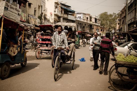 Hotel Rak International: Мэйн Базар. 20 метров от отеля РАК в Дели и вы в центре событий!