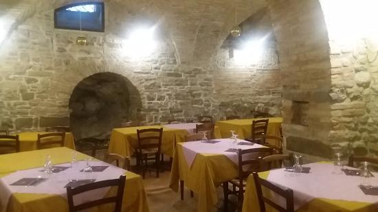 Locanda Dei Fiorucci : la sala interna