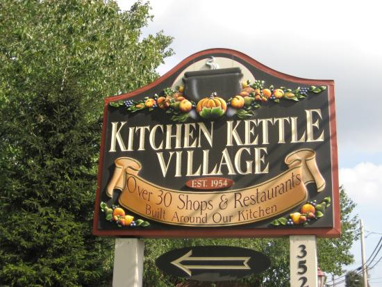 Live Music Picture Of Kitchen Kettle Village