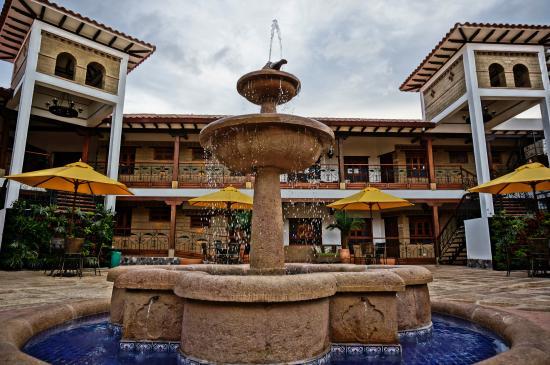 坎帕納里奧別墅飯店