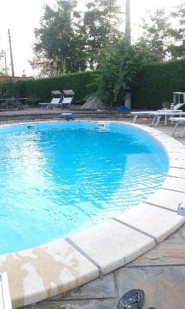 Colazione bordo piscina foto di la casa celeste asti tripadvisor - Bordo piscina prezzi ...
