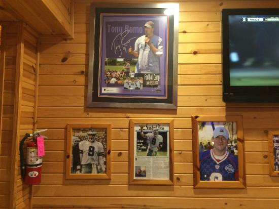 Burlington, WI: Tony Romo tribute