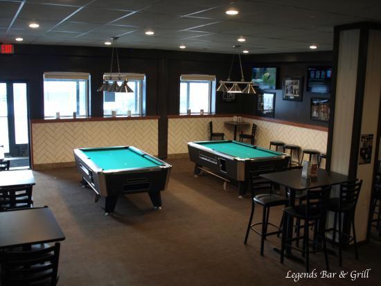 Whitecourt, Canadá: Legends Bar & Grill