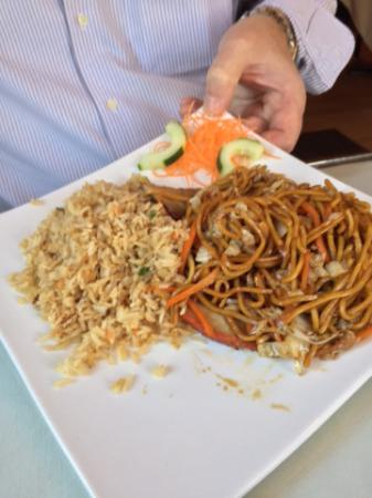 Glens Falls, estado de Nueva York: Fried Rice and Beef Lo Mein
