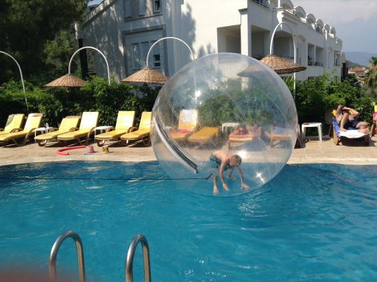 Celik Apartments: Kids entertained
