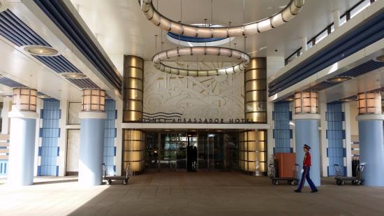 「Disney Ambassador Hotel」的圖片搜尋結果