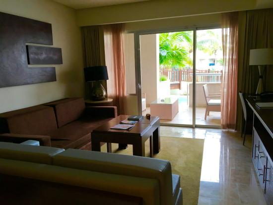 One Bedroom Master Suit Lough Picture Of Paradisus Playa Del Carmen La Esmeralda Playa Del