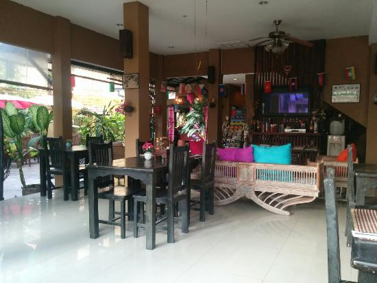Thapae Boutique House: IMG_20151216_083948_large.jpg