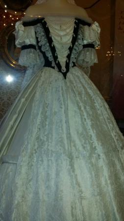 Vestidos Museu Rainha De Dos Da Um SisiFoto SisiViena 1TFKlJc