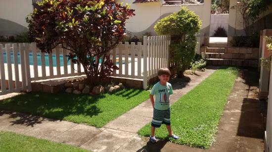 Pousada Maison Aires Malcher: Jardim e piscina