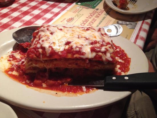 Restaurants Italian Near Me: Picture Of Buca Di Beppo, Lynnwood