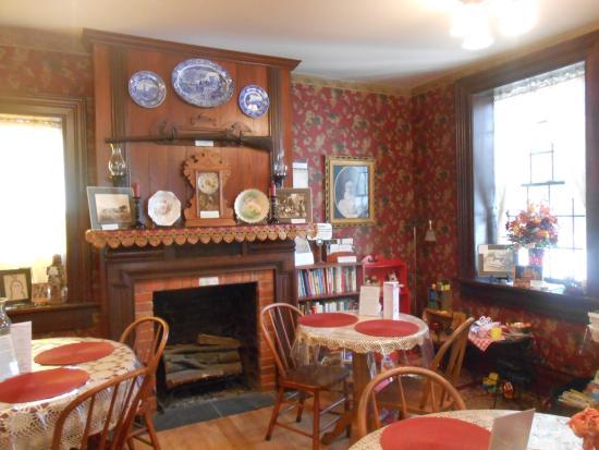 Council Grove, KS: Main dining area