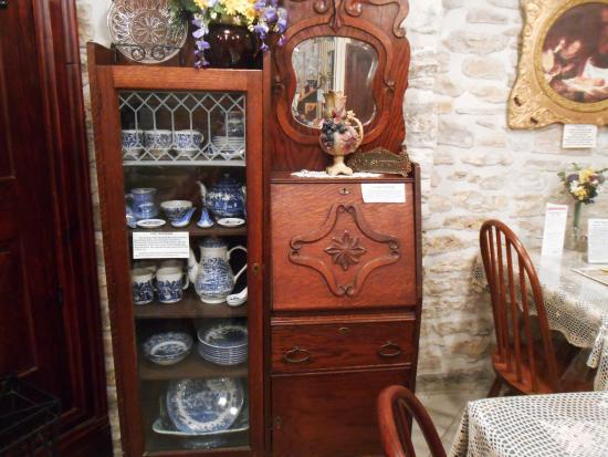 Council Grove, KS: Some of the featured antiques.