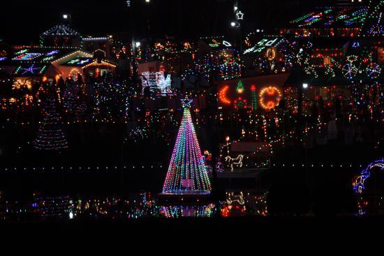 koziars christmas village - Bernville Christmas Village