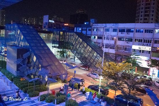 Easy Hotel The Passage From To KL Sentral Station Via Nu