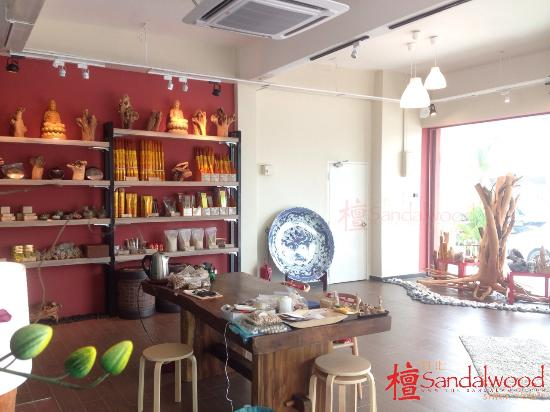 sandalwood craft 檀香雕刻品 craft product + 檀香制品 sandalwood incense  about us we are sandalwood seller & importer in malaysia, which manufacturing & wholesaling.